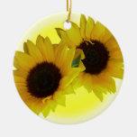 Decoración amarilla hermosa de la flor del ornamen adorno de reyes