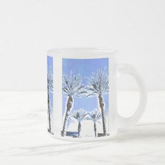 Decoración azul fresca del tema de la playa del taza de café esmerilada