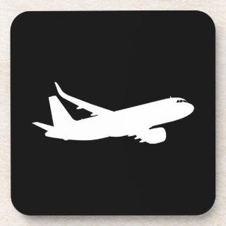 Decoración blanca del vuelo de la silueta del posavaso