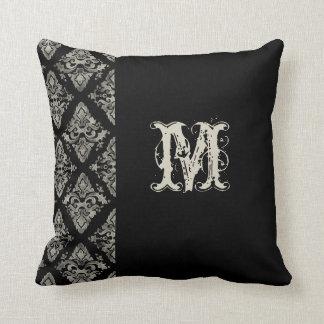 Decoración con monograma pintada a mano del damasc almohada
