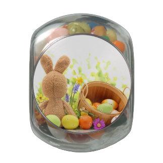 Decoración de Pascua con el conejo y los huevos Frascos Cristal