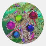 Decoración del pino del día de fiesta etiquetas redondas
