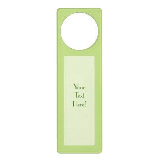 Decoración en colores pastel del color verde de la colgantes para puertas