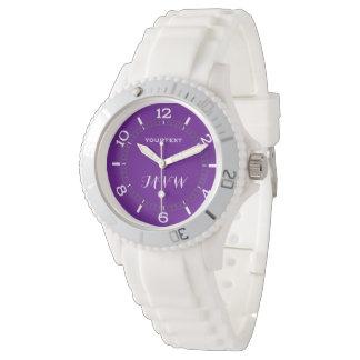 Decoración púrpura del color de acento relojes