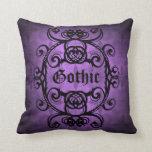 Decoración púrpura y negra del damasco gótico cojin