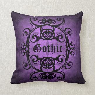 Decoración púrpura y negra del damasco gótico cojín