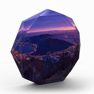 Decoración temática, base de una montaña que mira