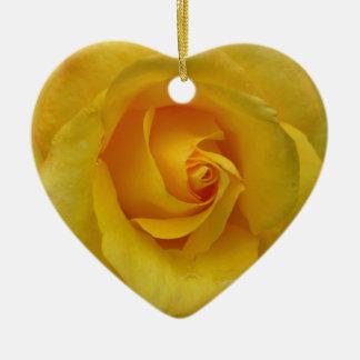 Decoraciones color de rosa románticas del adorno navideño de cerámica en forma de corazón