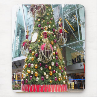 Decorated Christmas tree Mouse Pad