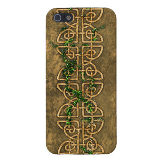 Decorative Celtic Knots With Ivy iPhone 5 Case