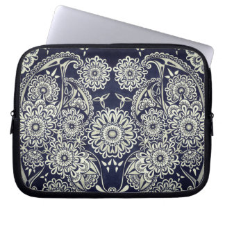 Decorative laptop sleeve