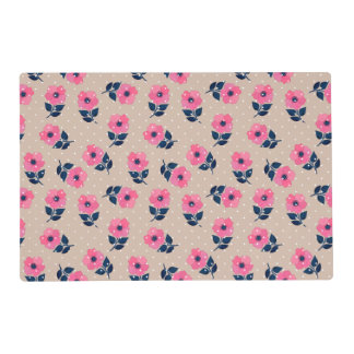 Decorative Pink Flowers on Beige Background Placemat