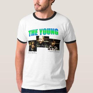 Dedicó la camiseta joven poleras