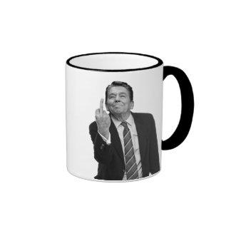 Dedo medio de Ronald Reagan Taza A Dos Colores