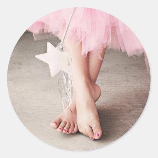Dedos del pie de la bailarina pegatina redonda