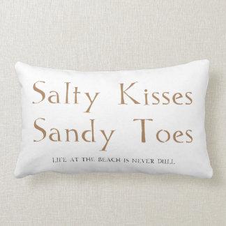Dedos del pie salados de Sandy de los besos Cojín