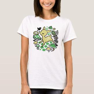 Deer in forest -green T-Shirt