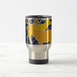 Deer on zigzag chevron - Blue Travel Mug