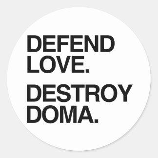 DEFIENDA EL AMOR DESTRUYEN DOMA - .PNG PEGATINA REDONDA
