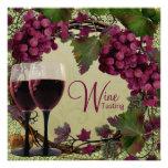 Degustación de vinos verde roja de las uvas del vi anuncios personalizados