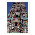 Deidades hindúes y dioses en gopuram del templo tarjetas postales