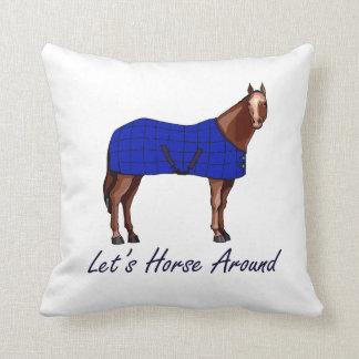 Deja el caballo alrededor de la manta azul de Brow Almohada