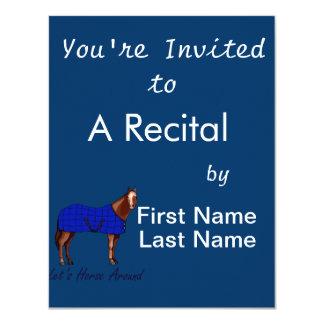 """Deja el caballo alrededor de la manta azul de invitación 4.25"""" x 5.5"""""""