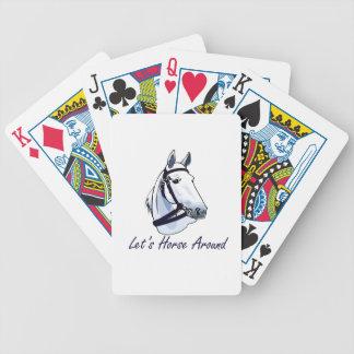 Deja el caballo alrededor del halter azul árabe barajas de cartas