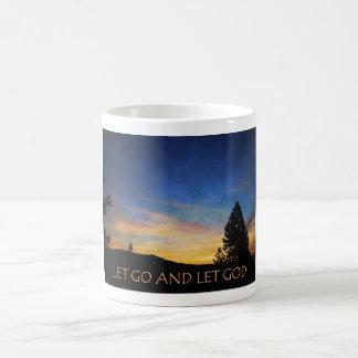 Dejado vaya dejar la salida del sol azul anaranjad taza de café