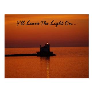 Dejaré la luz en… postal