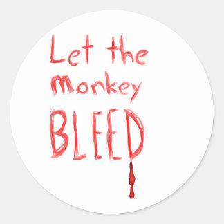 Deje el corrimiento del mono, en texto dibujado pegatina redonda