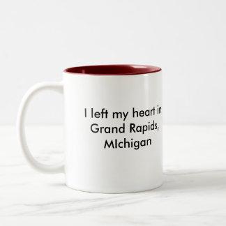 Dejé mi corazón en Grand Rapids, MIch. Taza Dos Tonos