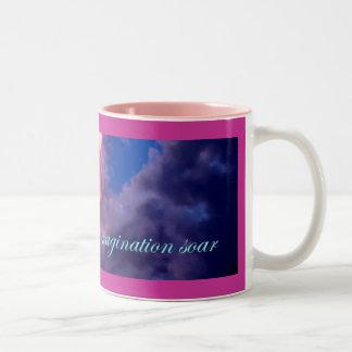 Deje su imaginación elevarse tazas de café