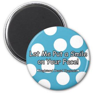 Déjeme poner una sonrisa en su cara imán redondo 5 cm