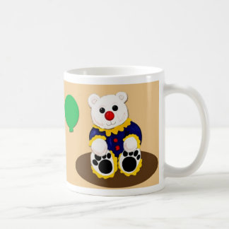 Déjenos taza del oso de peluche del payaso alreded