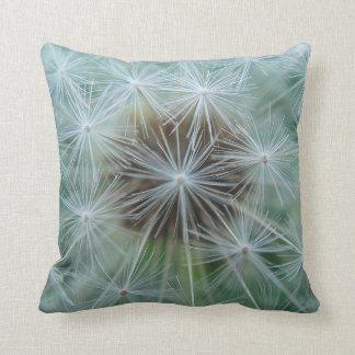 Dekokissen dandelion asterisk throw pillow