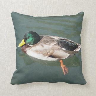 Dekokissen eased duck throw pillow