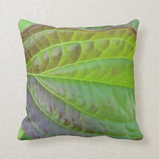 Dekokissen pretty green-brown sheet center throw pillow