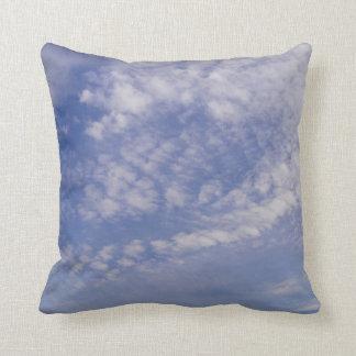 Dekokissen small clouds throw pillow