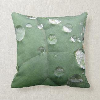 Dekokissen water drop on green-grey sheet throw pillows