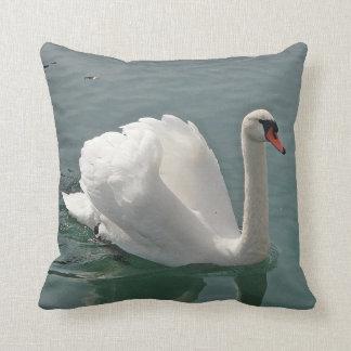 Dekokissen white swan pillow