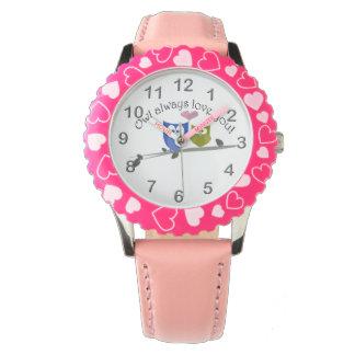 Del búho amor siempre usted, reloj lindo del arte