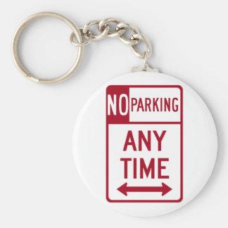 Del estacionamiento prohibido señal de tráfico en  llavero redondo tipo pin