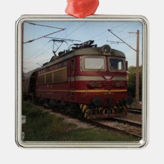 Del este - tren de mercancías europeo adorno navideño cuadrado de metal