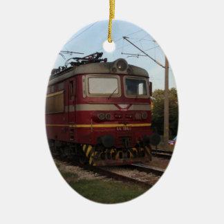 Del este - tren de mercancías europeo adorno navideño ovalado de cerámica