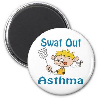 Del golpe violento imán del asma hacia fuera
