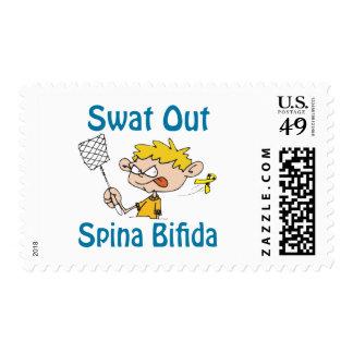 Del golpe violento sello Spina-Bífido hacia fuera
