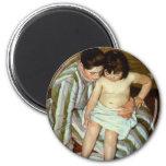 Del niño de Mary Cassatt el baño (circa 1892) Iman De Frigorífico