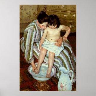 Del niño de Mary Cassatt el baño (circa 1892) Póster