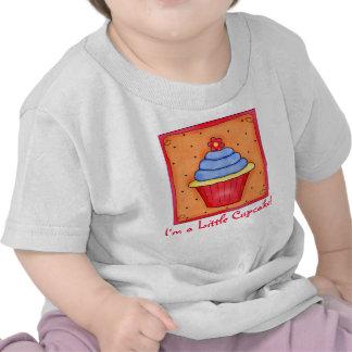 Del niño soy una pequeña camiseta de la magdalena